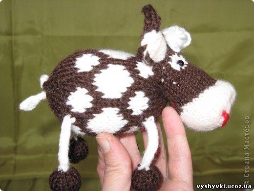 Вяжем морду коровы: на две